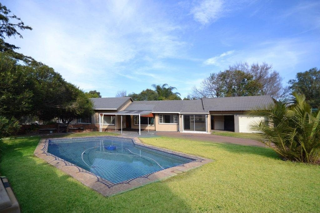 Property and Houses for sale in Sharonlea, House, 3 Bedrooms - ZAR 1,699,000