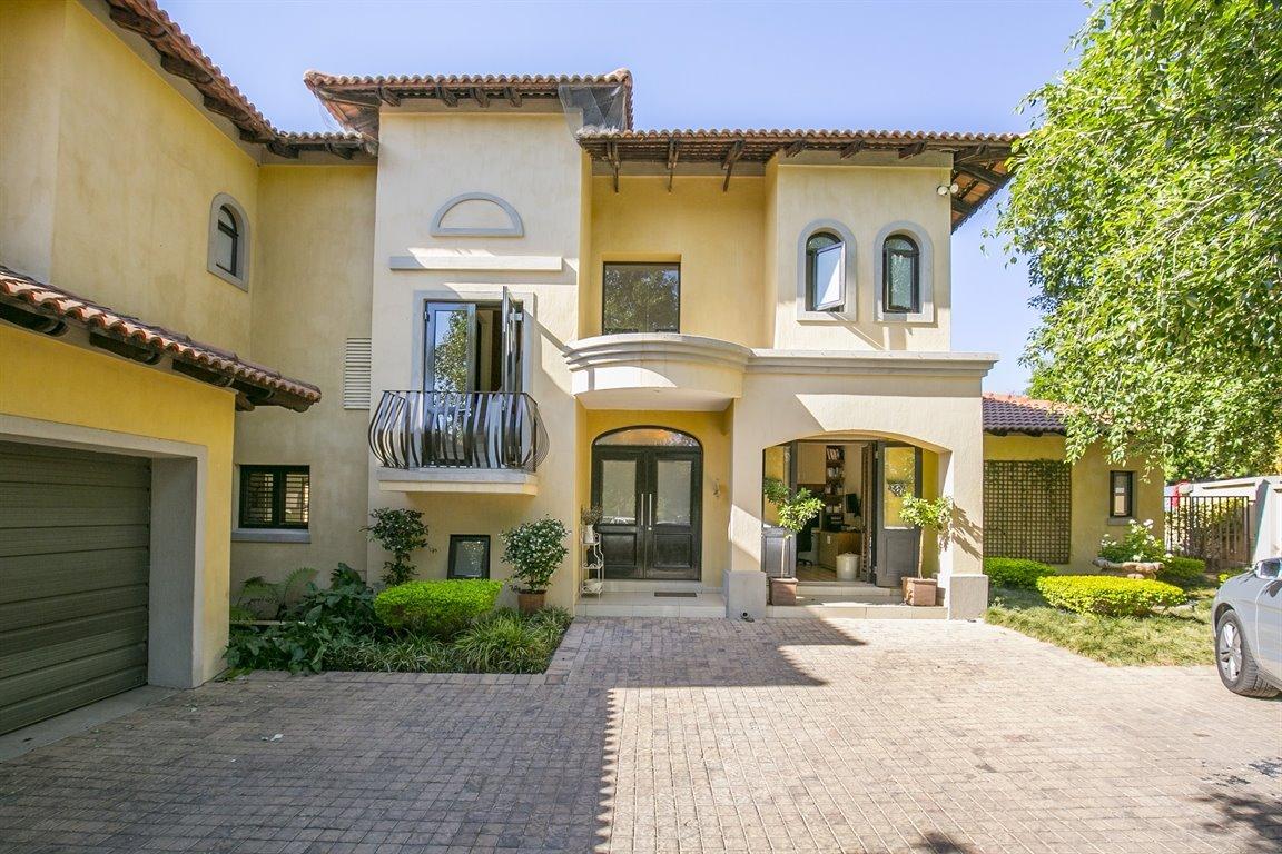 Cedar Lakes property for sale. Ref No: 13401550. Picture no 44