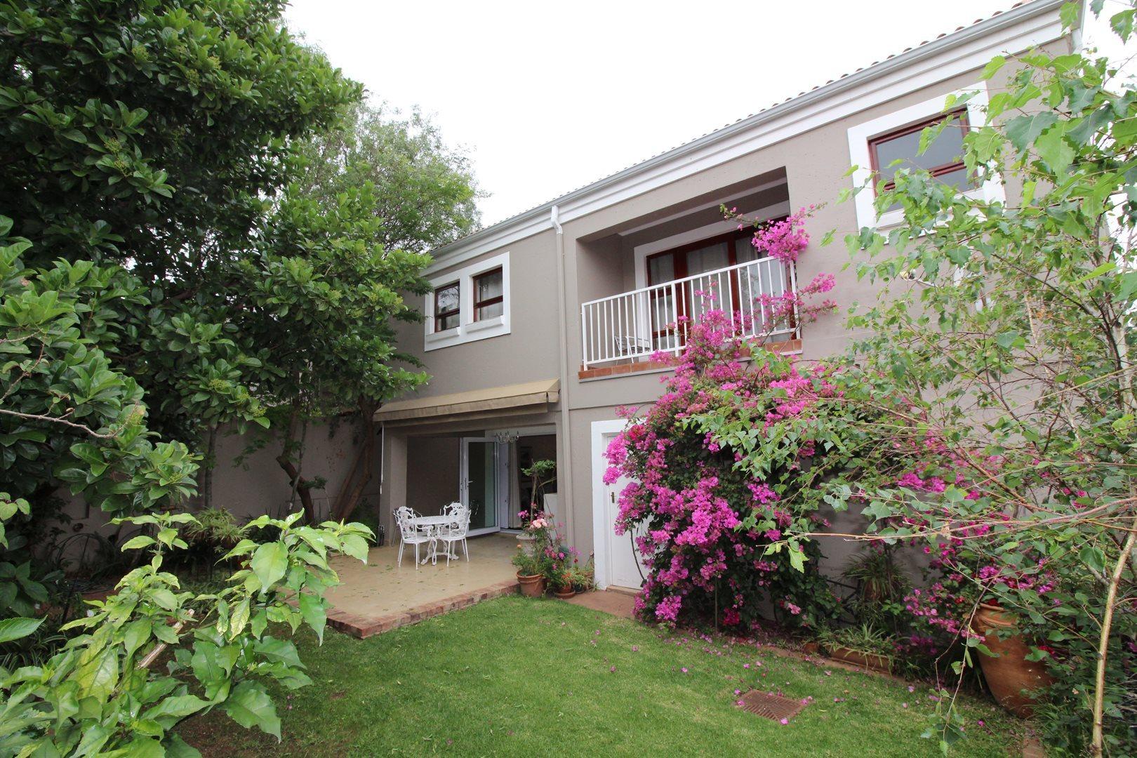 Bryanston property for sale. Ref No: 13551237. Picture no 1