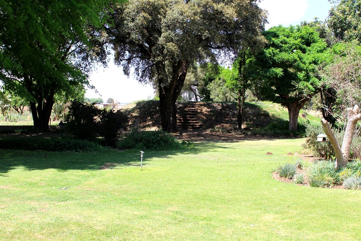 Potchefstroom property for sale. Ref No: 13398533. Picture no 2