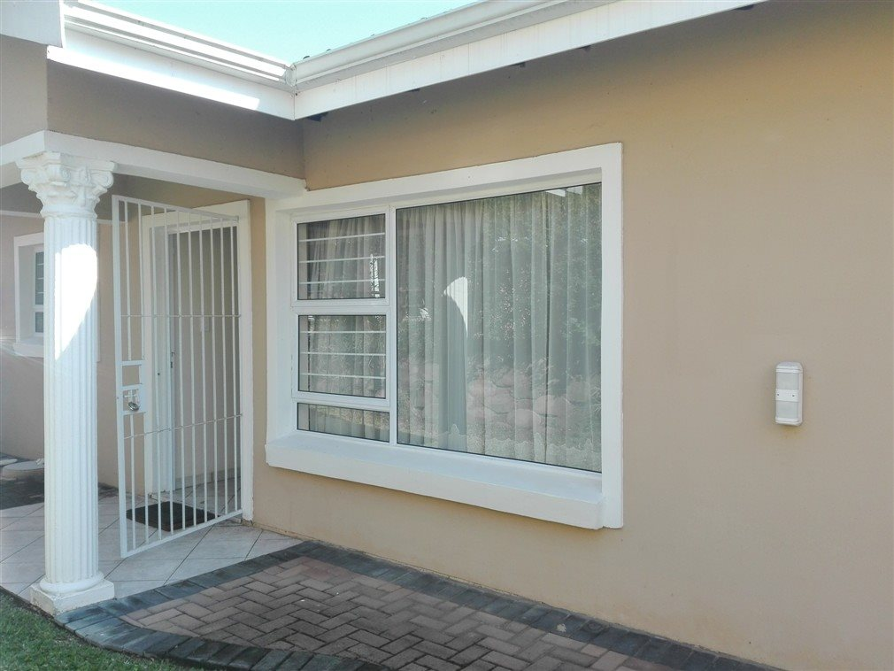 Uvongo property for sale. Ref No: 13370033. Picture no 18