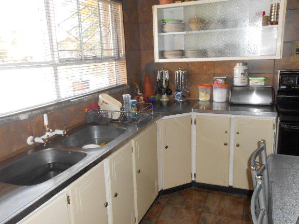 Mooilande property for sale. Ref No: 13400417. Picture no 5