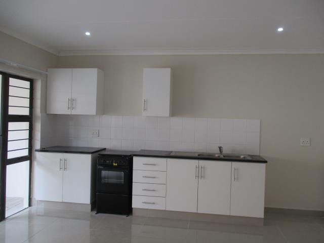 Pennington property to rent. Ref No: 13546587. Picture no 2