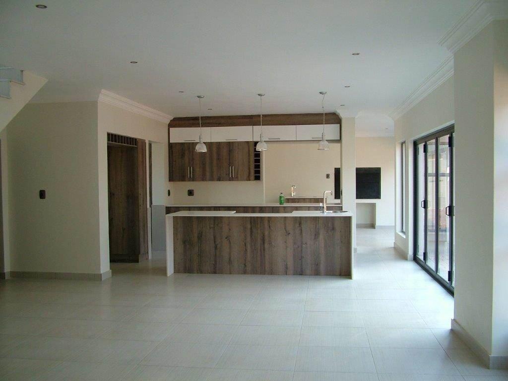Midstream Ridge Estate property for sale. Ref No: 13500456. Picture no 2