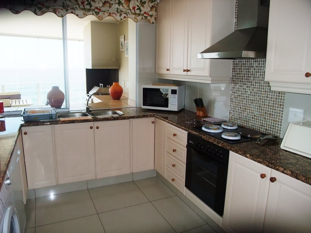 Margate property for sale. Ref No: 12775383. Picture no 14