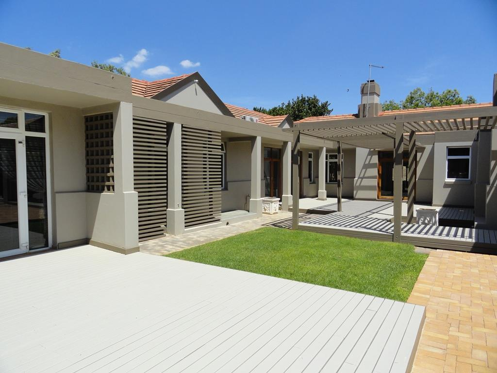 Property and Houses for sale in Silver Lakes Golf Estate, House, 6 Bedrooms - ZAR 12,500,000