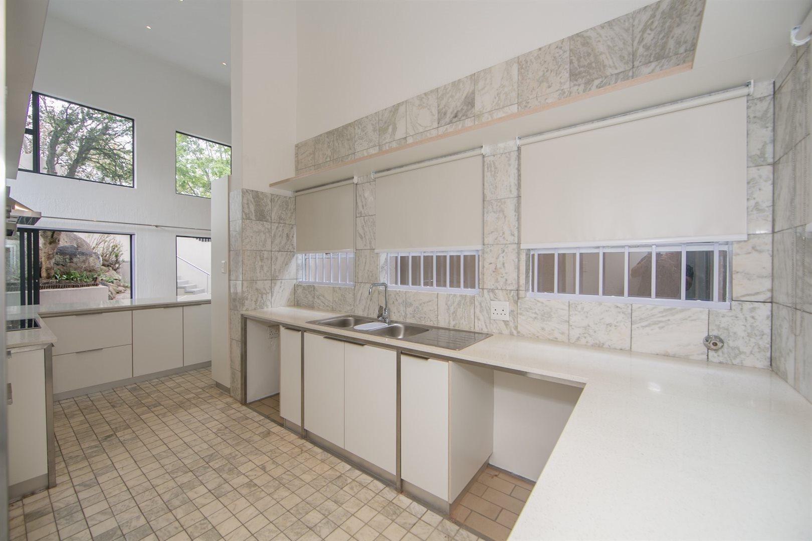 Fourways property to rent. Ref No: 13541041. Picture no 10