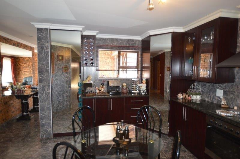 Vanderbijlpark Se8 property for sale. Ref No: 13508216. Picture no 6