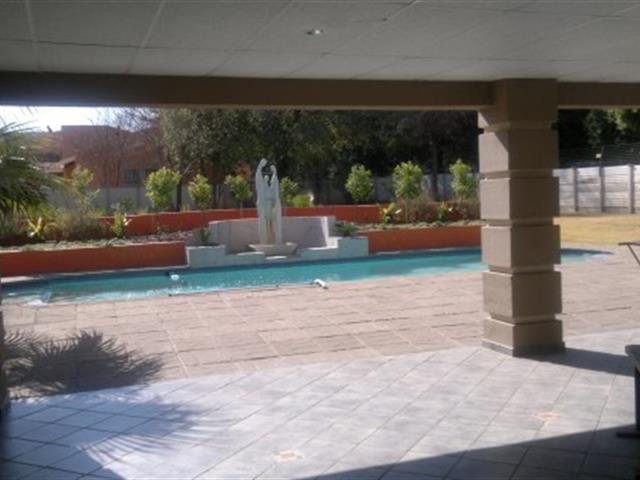 Three Rivers Proper property for sale. Ref No: 13368904. Picture no 19