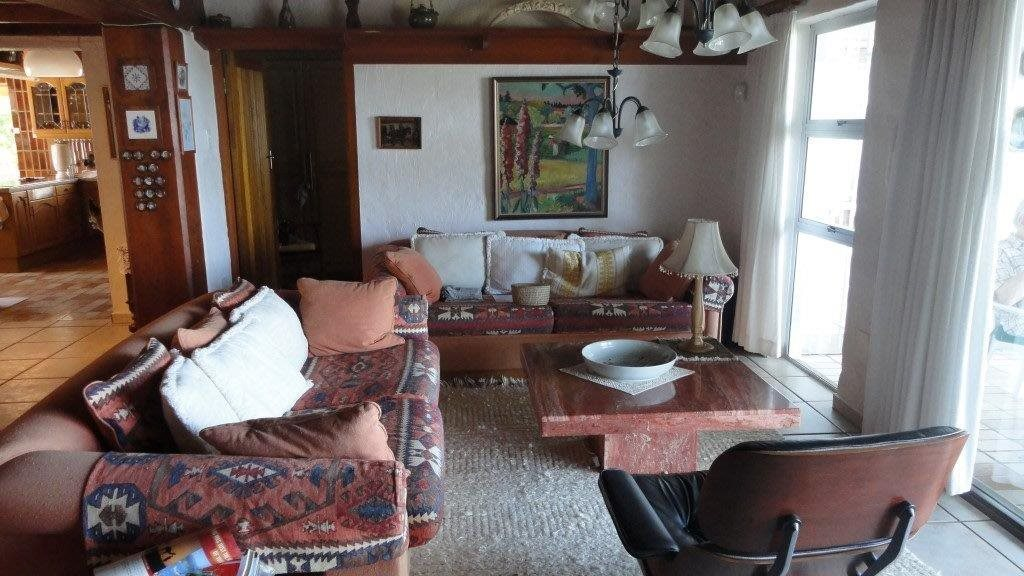 Trafalgar property for sale. Ref No: 13278875. Picture no 10