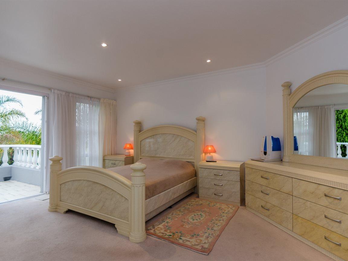 Bryanston property for sale. Ref No: 13418612. Picture no 16