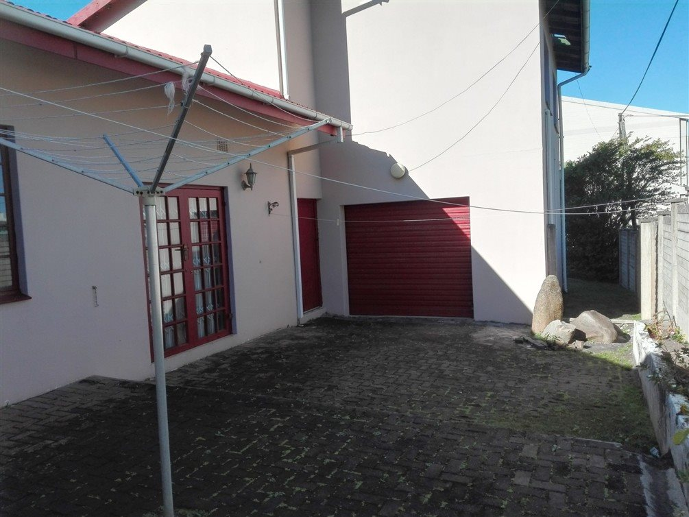 Uvongo property for sale. Ref No: 13360295. Picture no 9