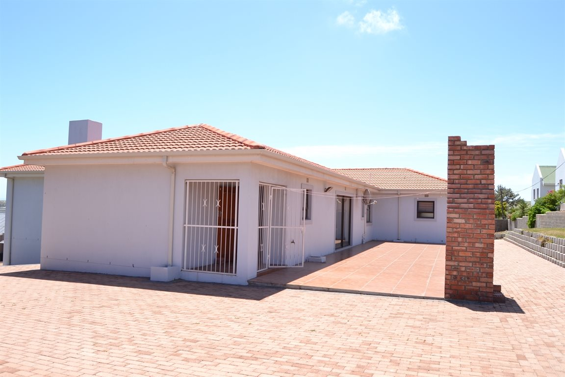 Middedorp property for sale. Ref No: 13300700. Picture no 27