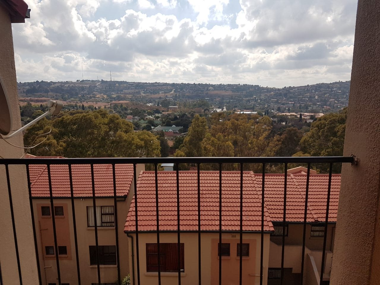 Roodepoort, Wilro Park Property  | Houses For Sale Wilro Park, Wilro Park, Apartment 3 bedrooms property for sale Price:650,000