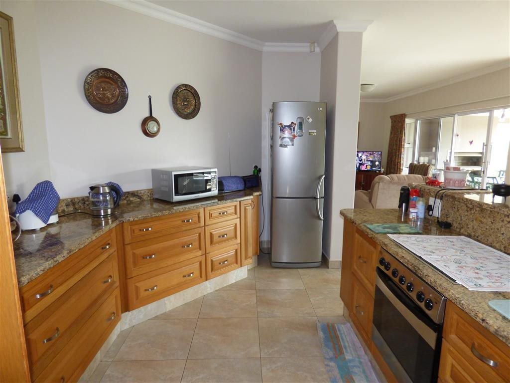 Southbroom property for sale. Ref No: 13393807. Picture no 9