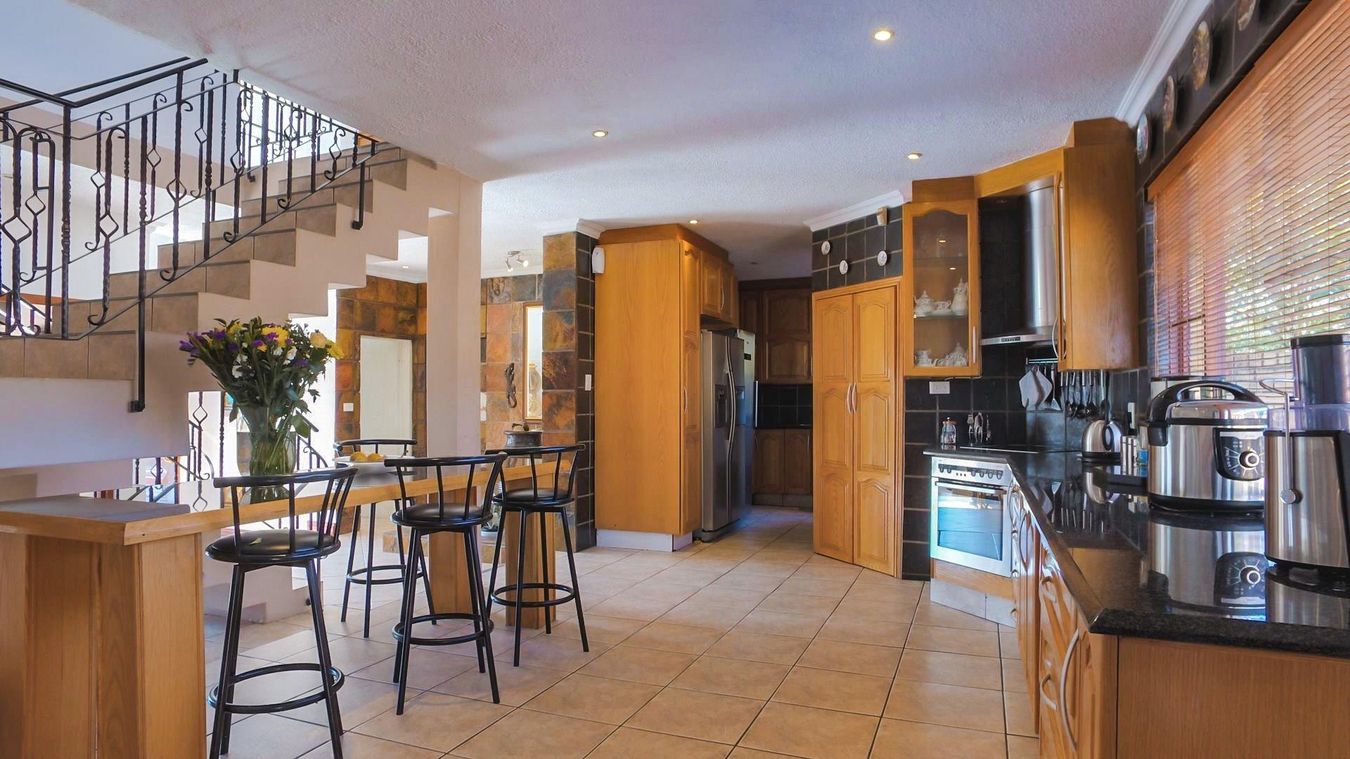 Irene Glen Estate property for sale. Ref No: 13471902. Picture no 3