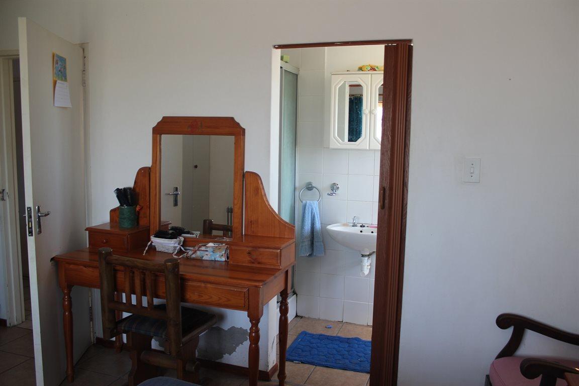 Vredenburg property for sale. Ref No: 13436335. Picture no 19