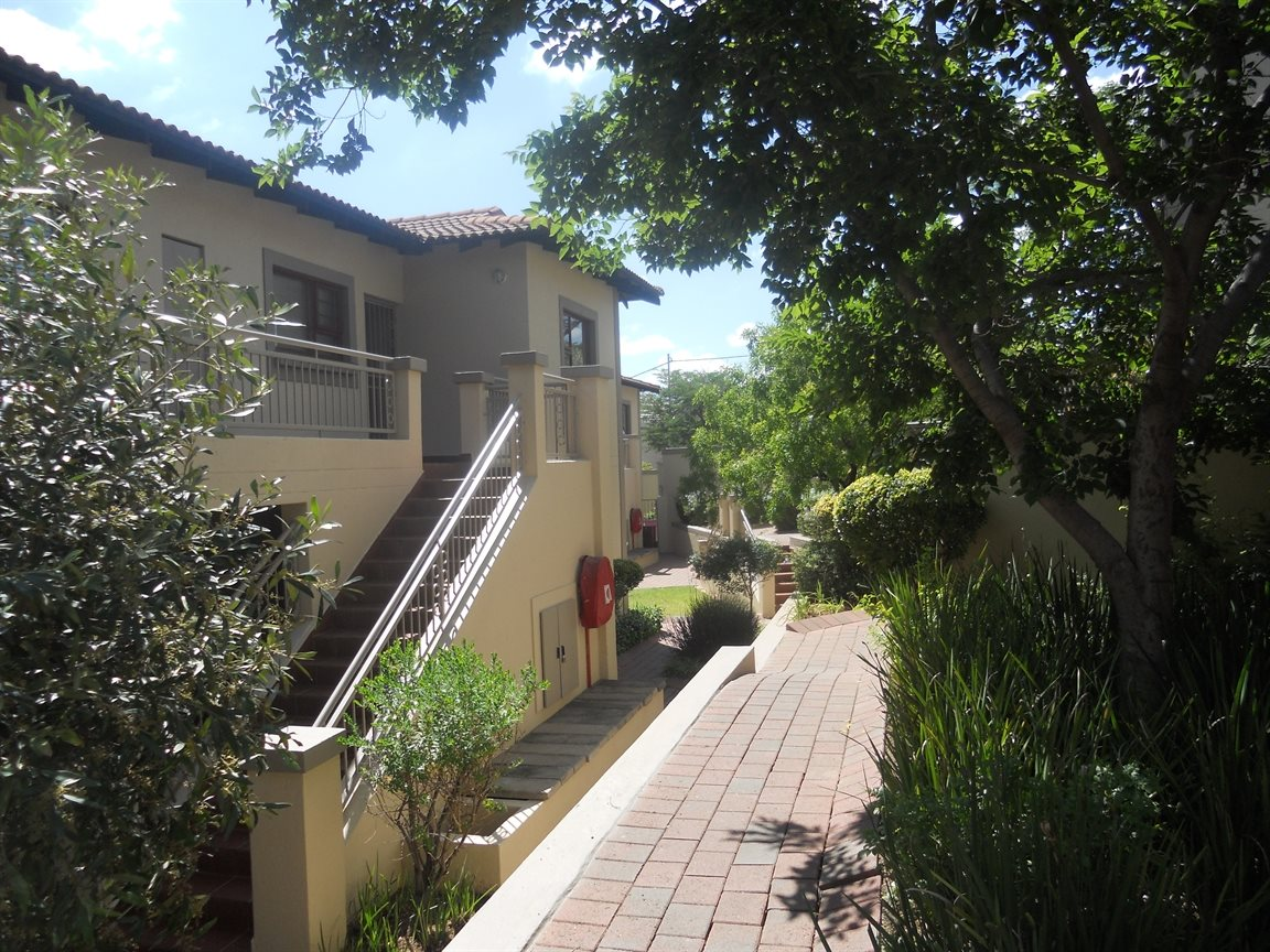 Bryanston property to rent. Ref No: 13270639. Picture no 9