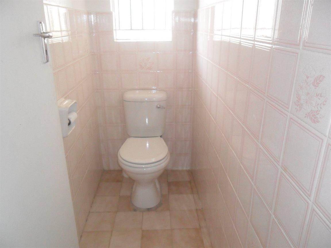 Craigieburn property for sale. Ref No: 13521257. Picture no 7