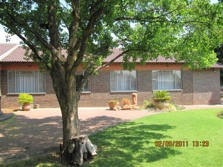 Three Rivers East property for sale. Ref No: 13523179. Picture no 3