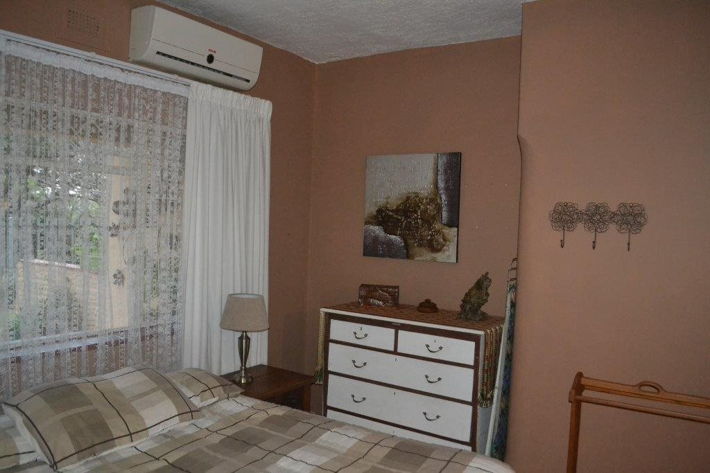 Margate property for sale. Ref No: 13360684. Picture no 15