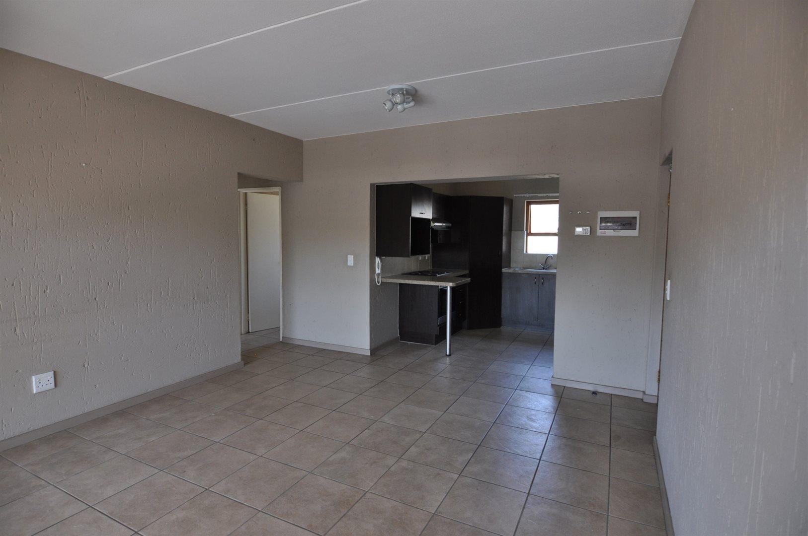 Douglasdale property to rent. Ref No: 13466650. Picture no 2