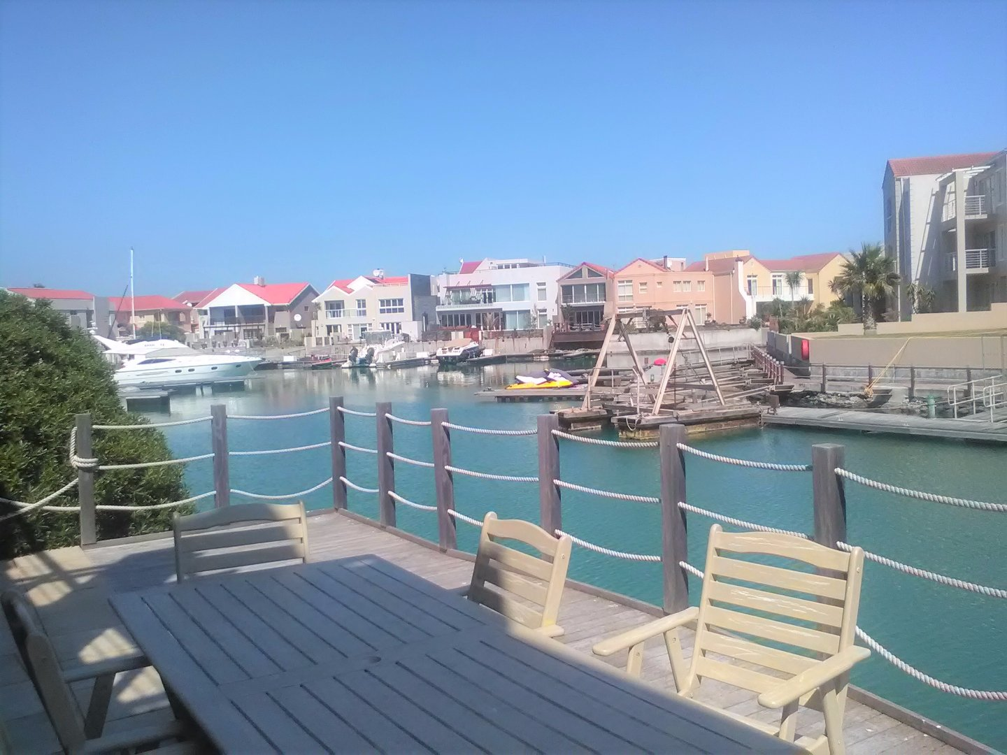 Harbour Island property to rent. Ref No: 13554085. Picture no 12