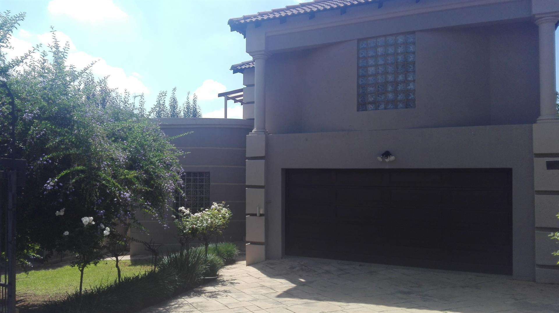 Property and Houses for sale in Highveld, House, 4 Bedrooms - ZAR 2,800,000