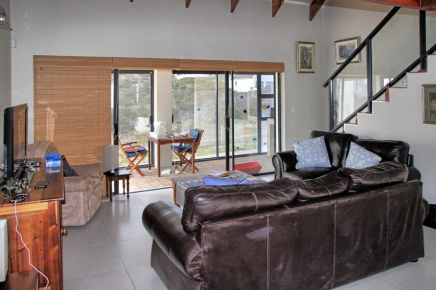 Shelley Point property for sale. Ref No: 13523608. Picture no 4