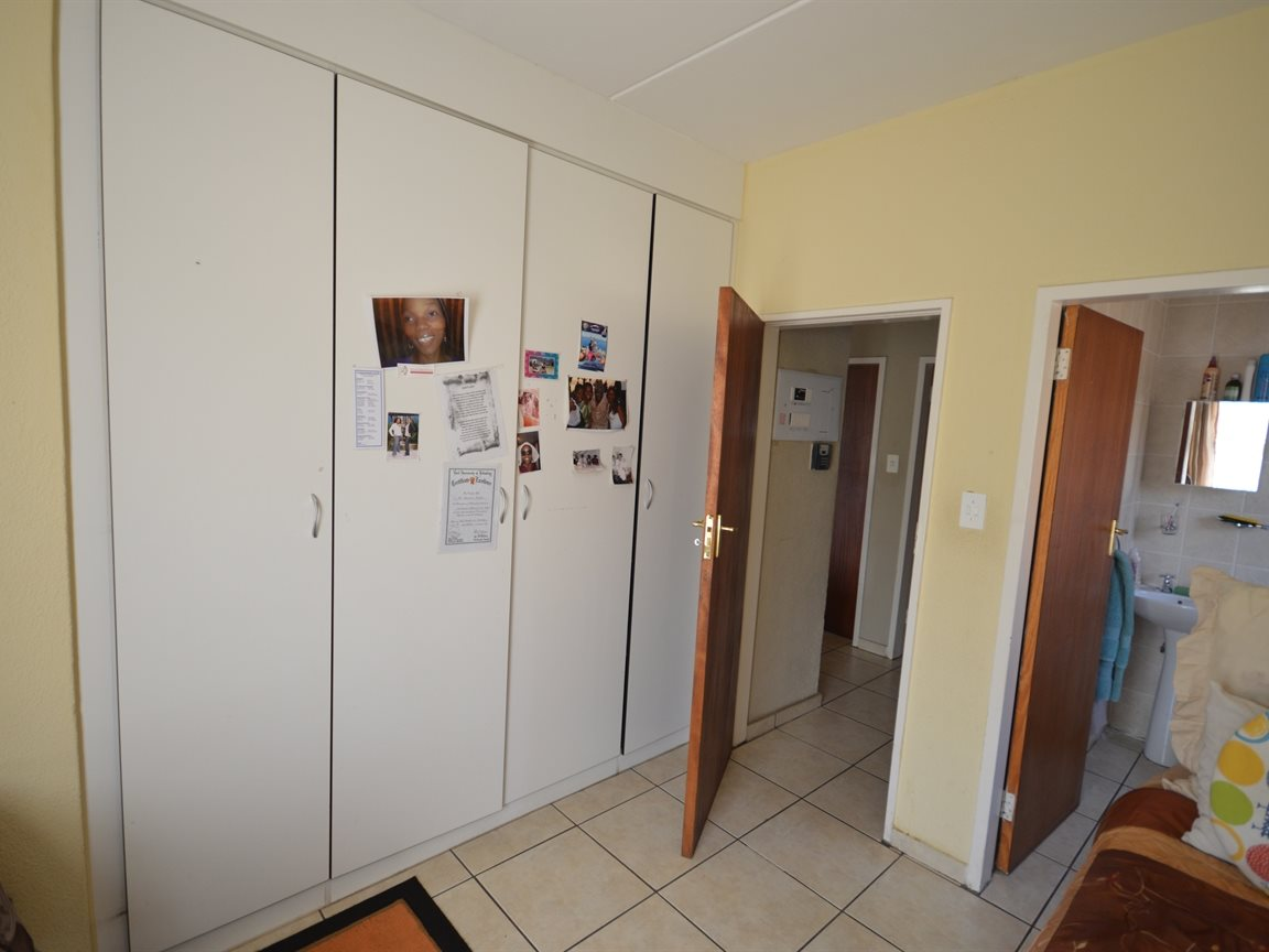 Vanderbijlpark Se9 property for sale. Ref No: 12799356. Picture no 6