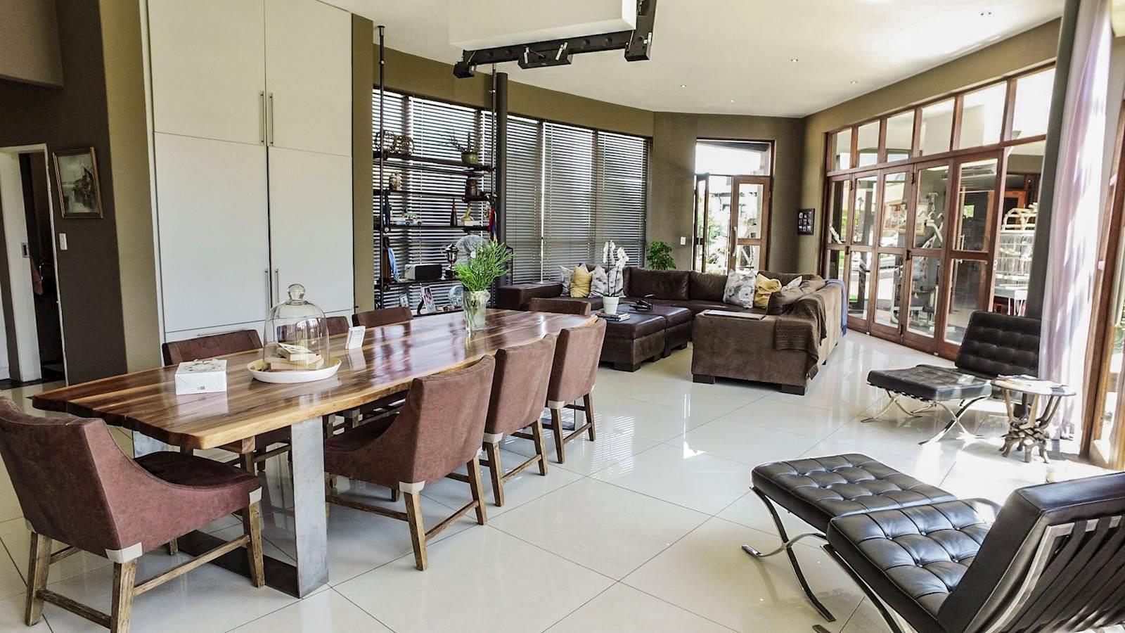 Midstream Estate property for sale. Ref No: 13435299. Picture no 20
