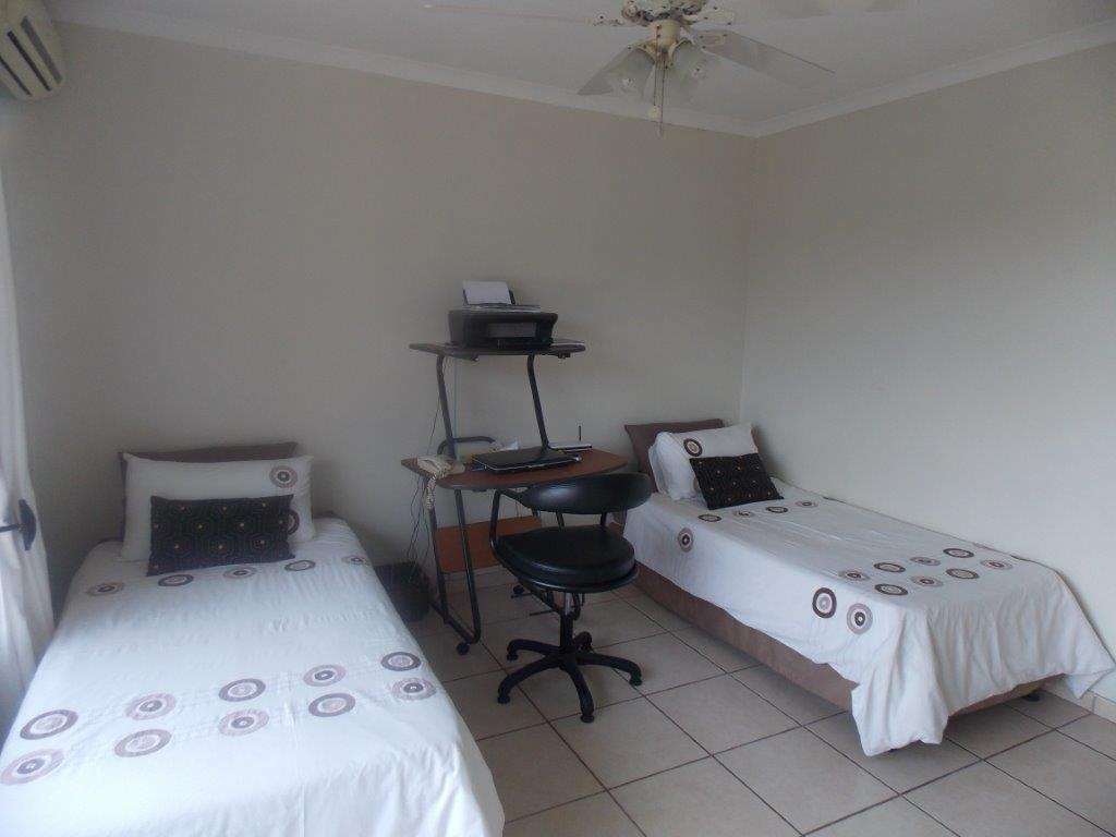 Amanzimtoti property for sale. Ref No: 13372994. Picture no 38