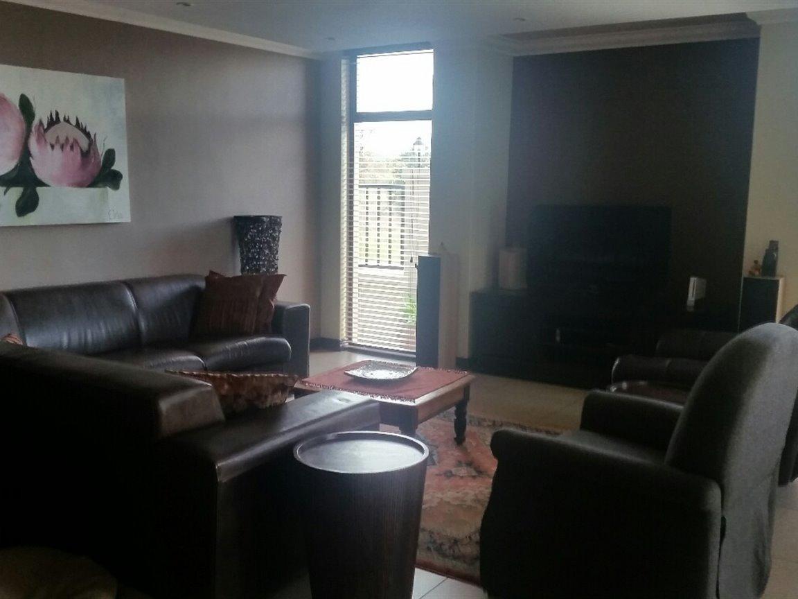 Midfield Estate property for sale. Ref No: 13397837. Picture no 6