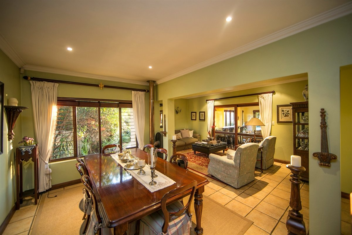 Fourways property for sale. Ref No: 13450350. Picture no 7