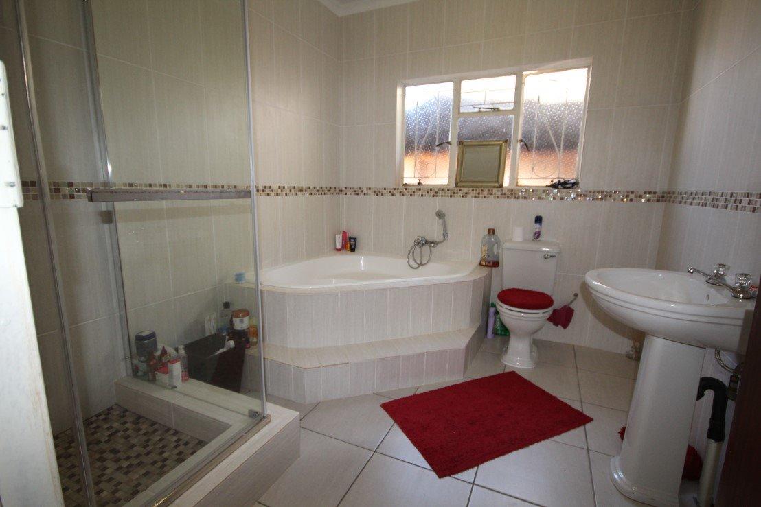 Sonlandpark property for sale. Ref No: 13301748. Picture no 3
