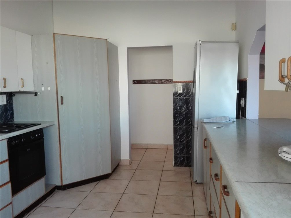 Uvongo property for sale. Ref No: 13360295. Picture no 14