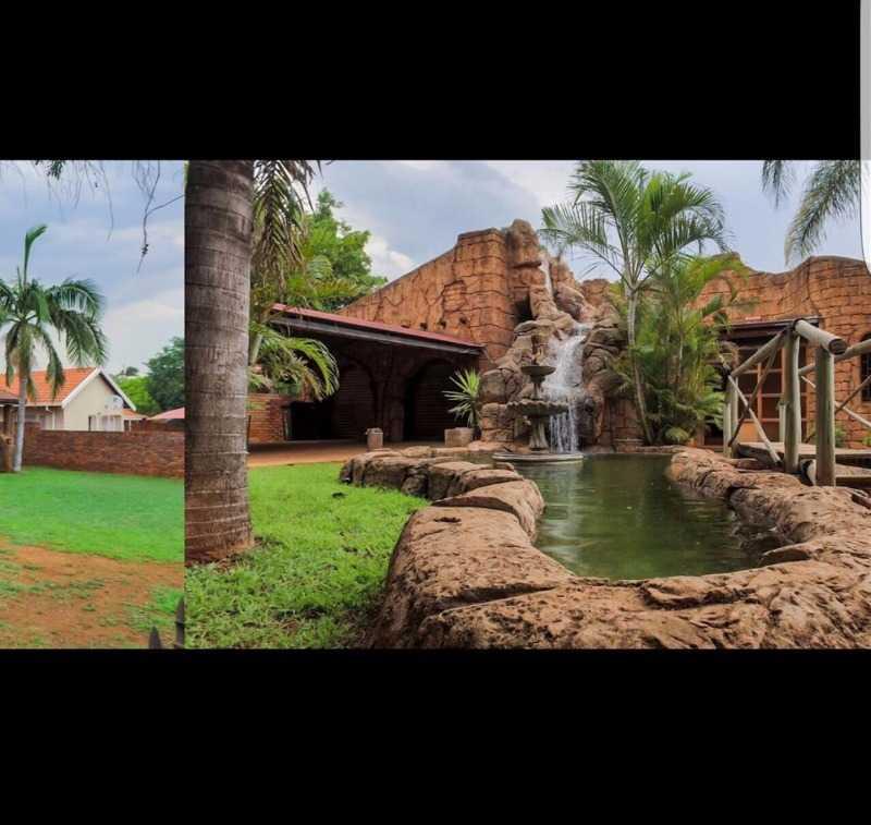 Dorandia property for sale. Ref No: 13567181. Picture no 2