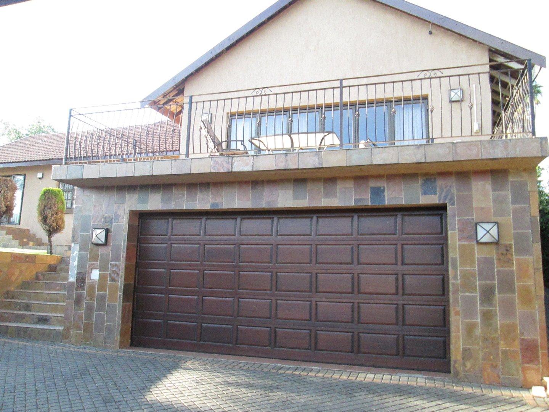 Glenvista property to rent. Ref No: 13552423. Picture no 1
