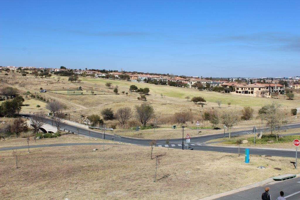 Blue Valley Golf Estate property for sale. Ref No: 13371077. Picture no 23