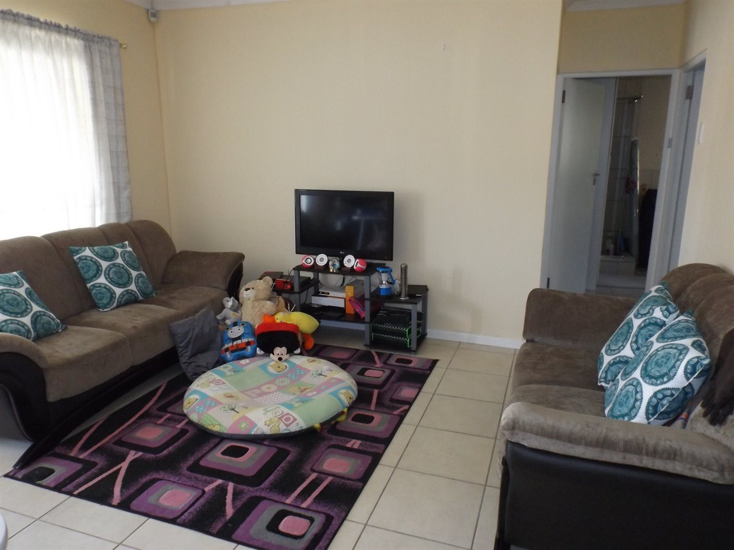 Nahoon Valley Park property for sale. Ref No: 13524821. Picture no 3