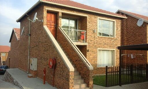 Johannesburg, Towerby Property  | Houses For Sale Towerby, Towerby, Townhouse 2 bedrooms property for sale Price:590,000
