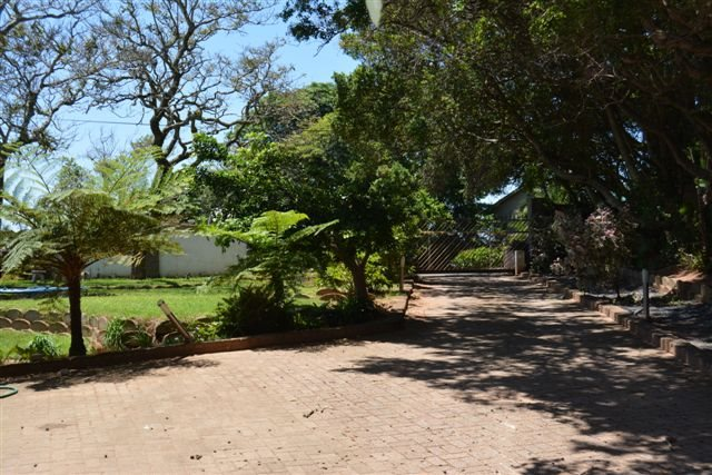 Uvongo property for sale. Ref No: 12775609. Picture no 26