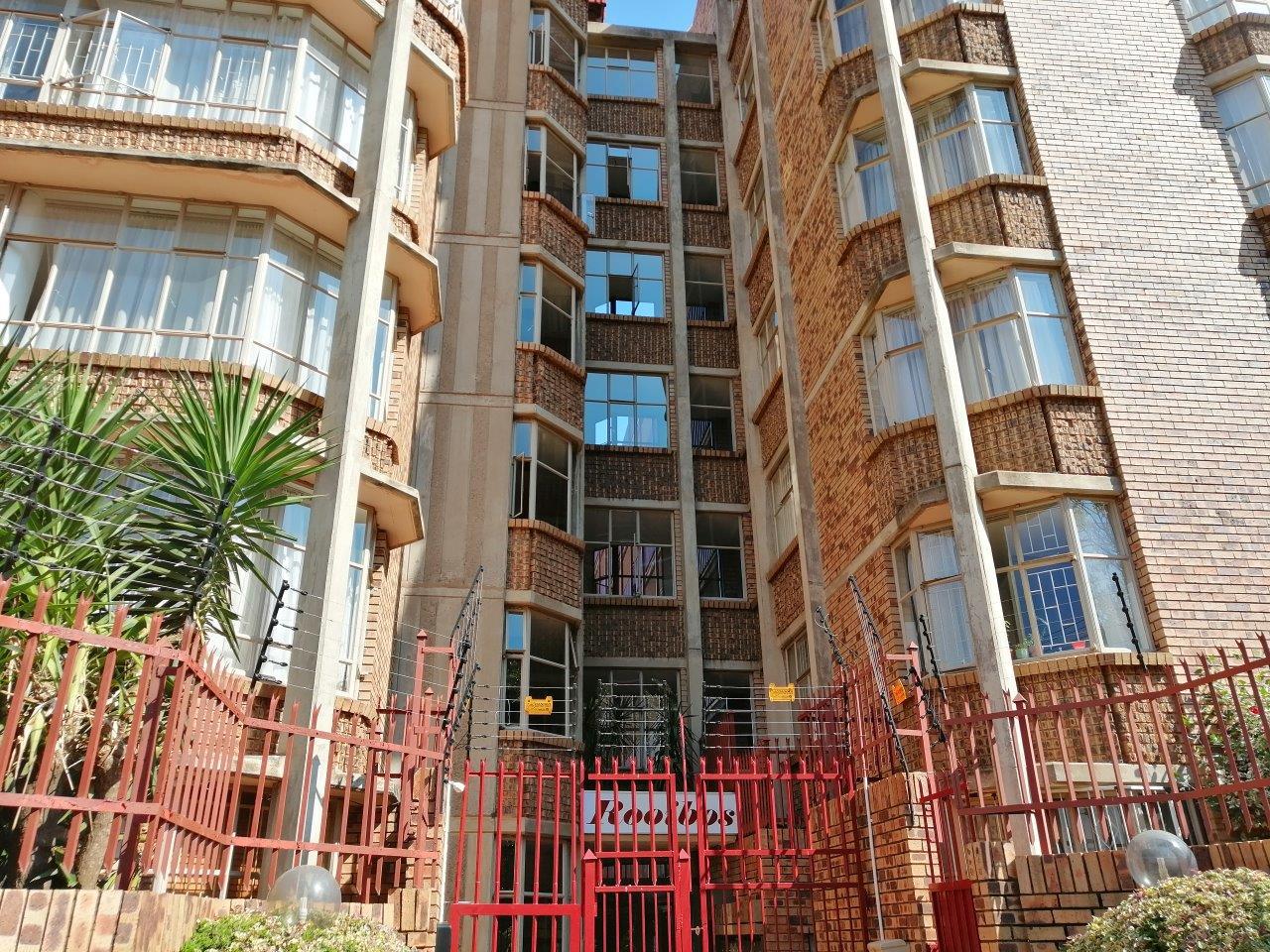 , Apartment, 2 Bedrooms - ZAR 480,000