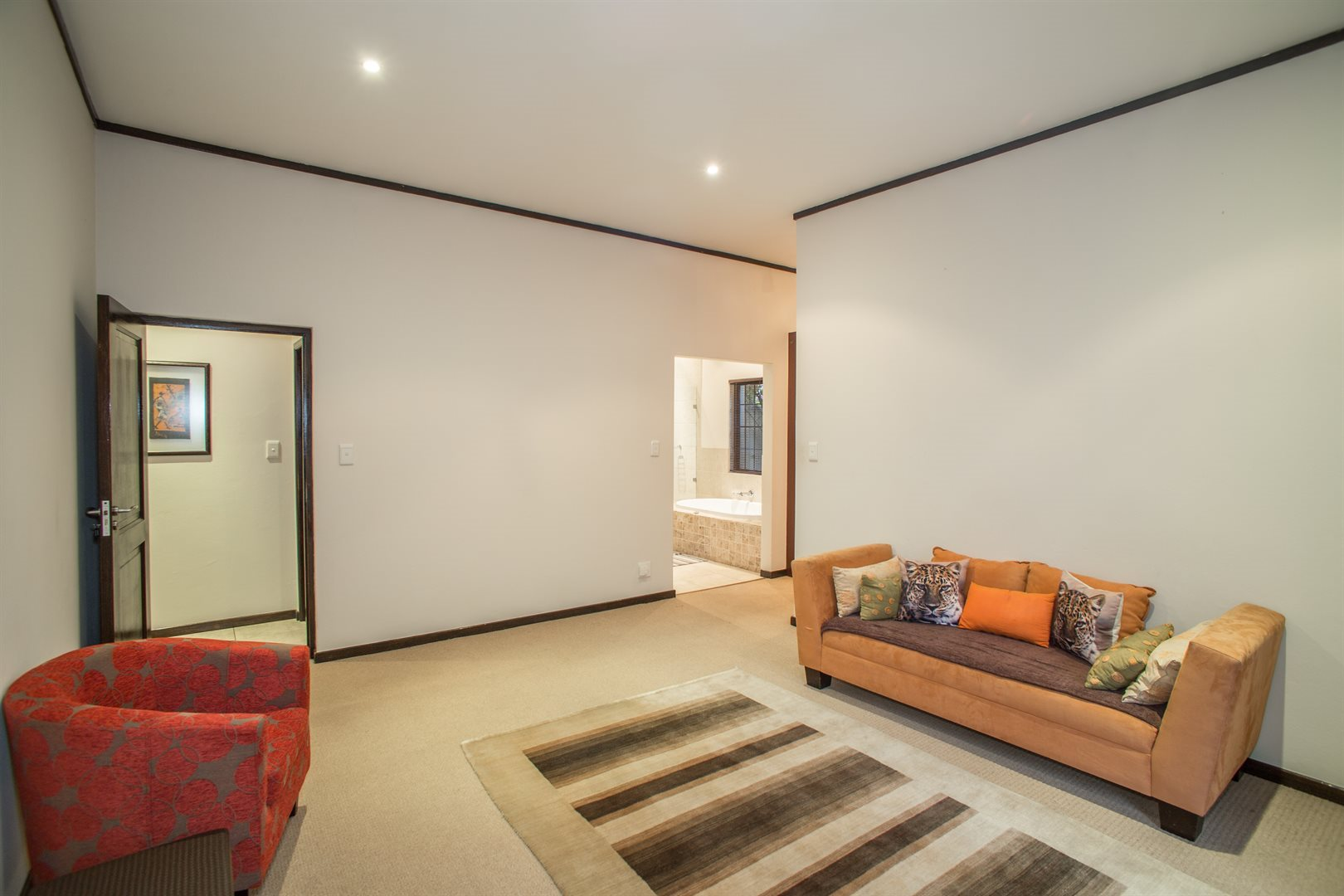 Lonehill property for sale. Ref No: 13529904. Picture no 7