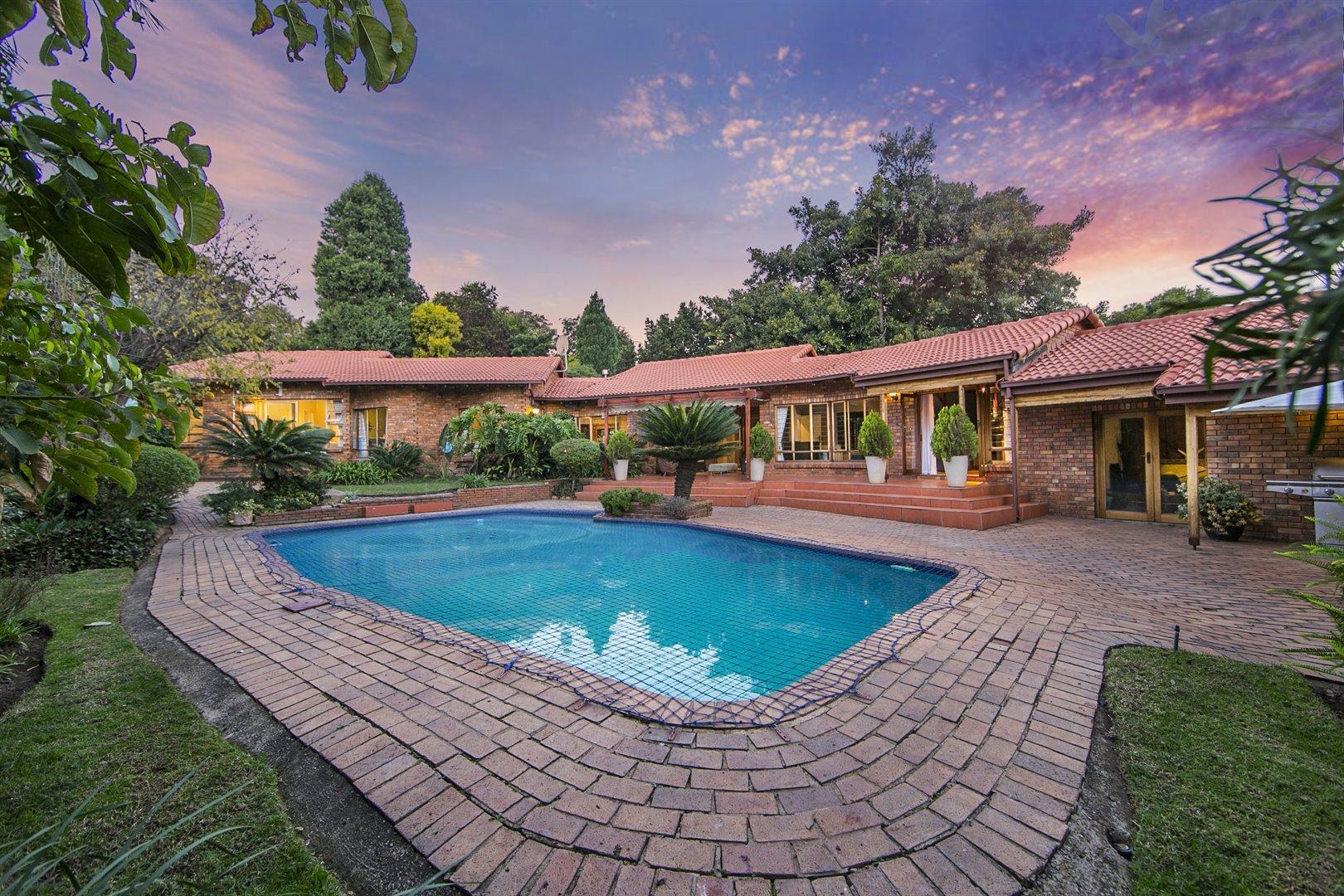 Sandton, Douglasdale Property  | Houses For Sale Douglasdale, Douglasdale, House 4 bedrooms property for sale Price:3,299,000