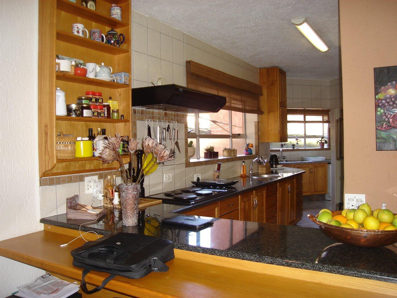 Eldoraigne property for sale. Ref No: 13494397. Picture no 10