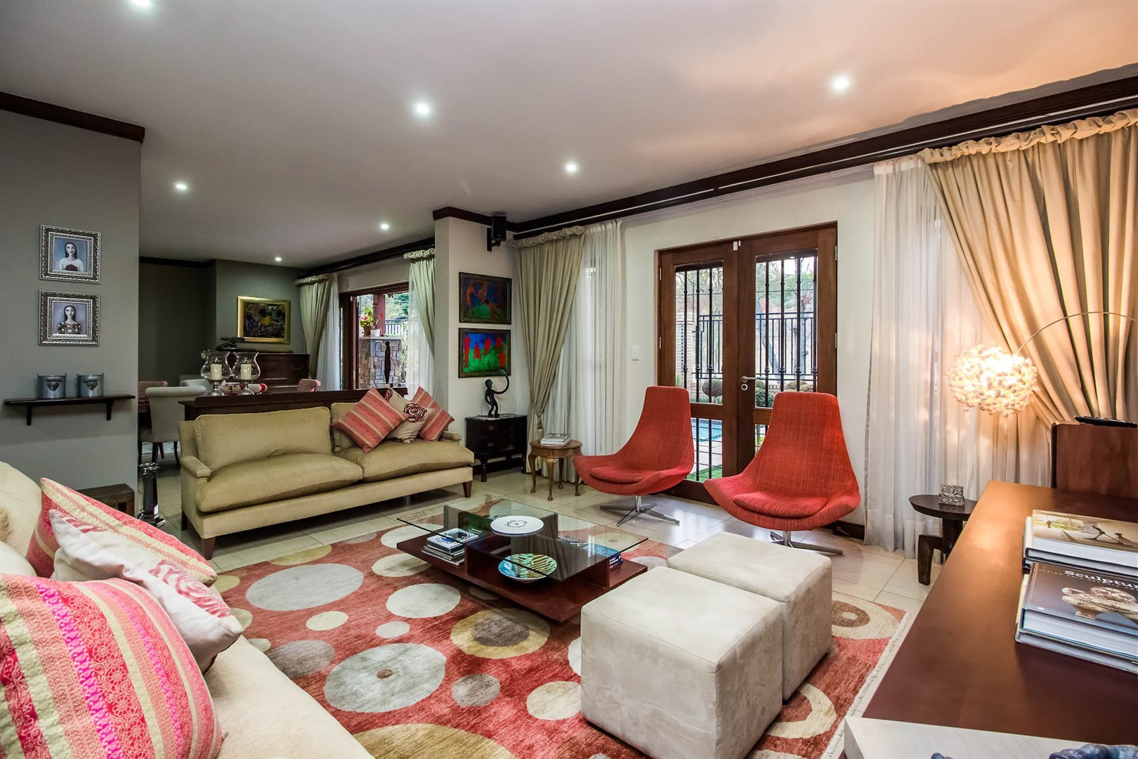 Waterkloof Ridge property for sale. Ref No: 13535230. Picture no 9
