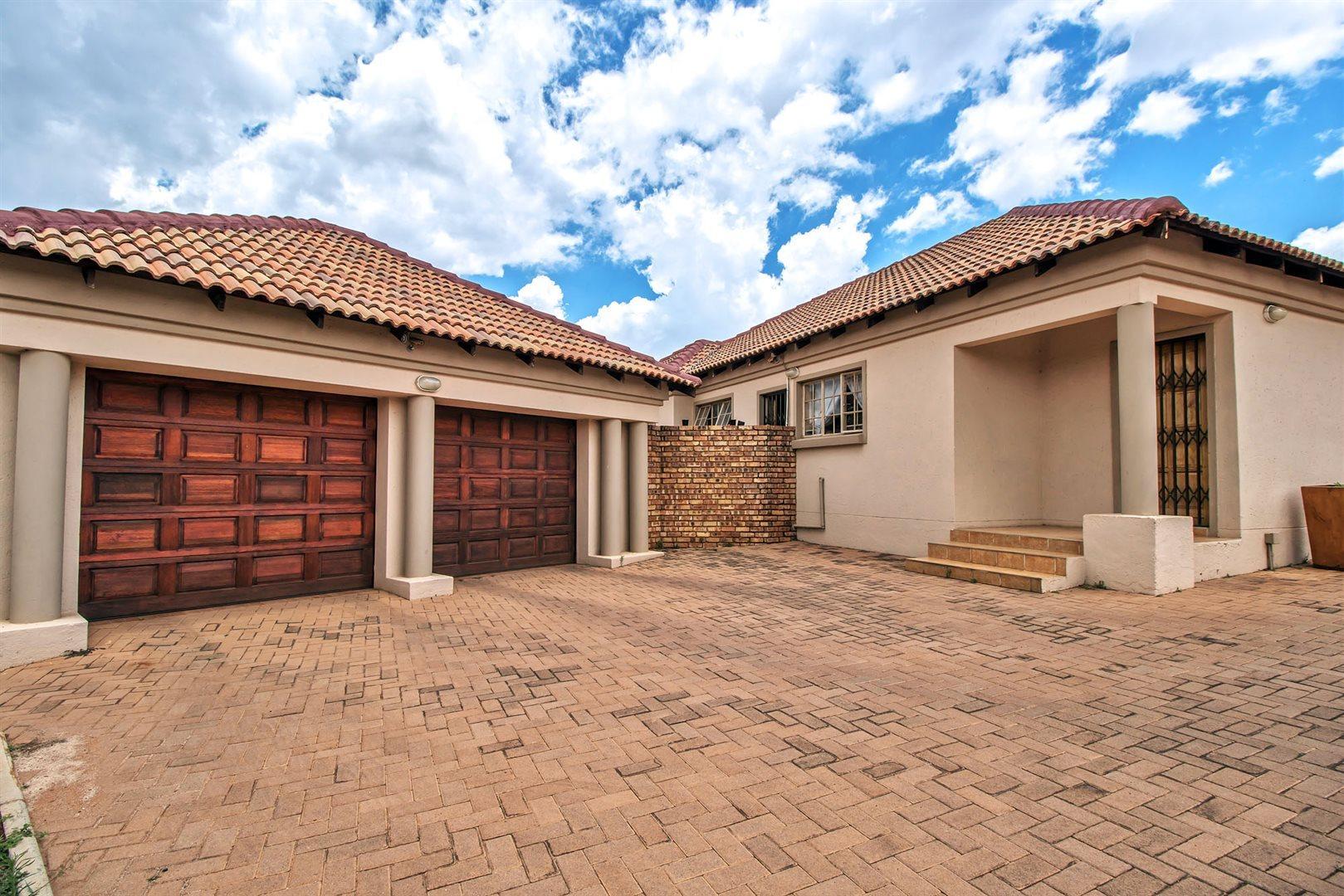 Pretoria, Bergtuin Property  | Houses For Sale Bergtuin, Bergtuin, House 3 bedrooms property for sale Price:1,459,000