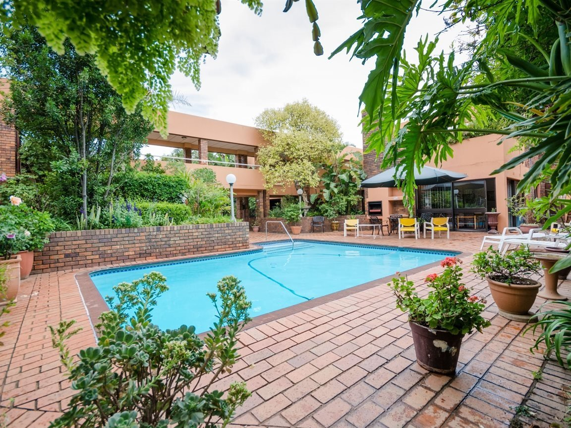 Rosebank property for sale. Ref No: 13514442. Picture no 2