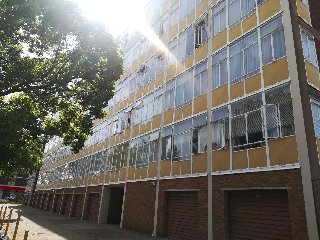 , Apartment, 1.5 Bedrooms - ZAR 470,000